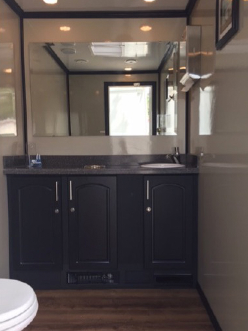 2-Station Luxury Restroom Trailer