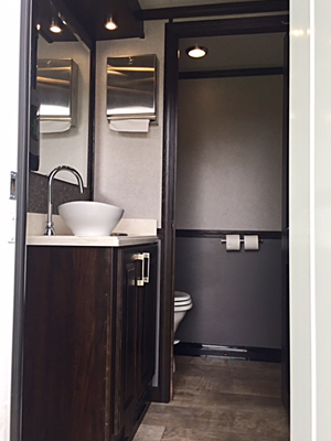 4 Station Luxury Trailer Toilet